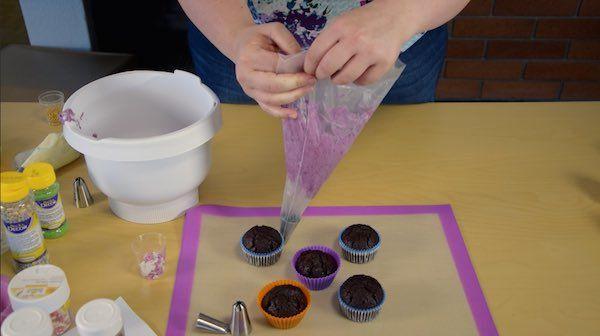 Dessert-Heidelbeer-Cupcake-Starter-Set-preparieren