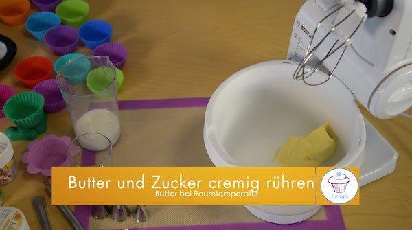 Fluffige-Cupcakes-Rezepte-Vanille-Kuchen-Butter-und-Zucker